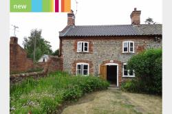 Semi Detached House To Let  Norwich Norfolk NR11