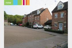 Terraced House To Let  Tuxford, Newark Nottinghamshire NG22