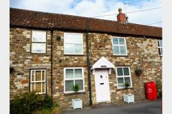 Terraced House To Let  Bristol Somerset BS39