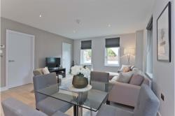 Flat To Let  Claygate, Esher Surrey KT10