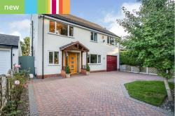 Detached House For Sale  ** Guide Price £675,000 - £700,000 **, C Derbyshire S40