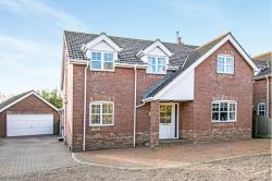 Detached House For Sale  Potter Heigham, Great Yarmouth Norfolk NR29