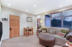 Flat For Sale  London Greater London SW20