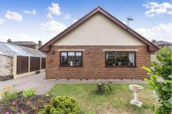 Detached Bungalow For Sale  Wakefield West Yorkshire WF2