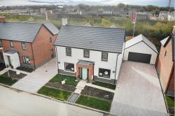 Detached House For Sale  Swindon Wiltshire SN26