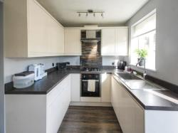 Semi Detached House To Let Clowne Chesterfield Derbyshire S43