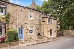 Terraced House To Let Gomersal Cleckheaton West Yorkshire BD19