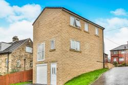 Detached House To Let  Halifax West Yorkshire HX2