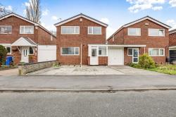 Detached House To Let  Stockport Greater Manchester SK2