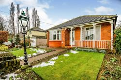 Detached Bungalow For Sale Almondbury Huddersfield West Yorkshire HD5