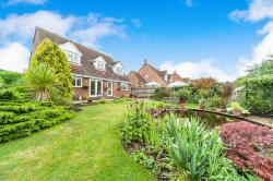 Detached House For Sale Sproatley Hull East Riding of Yorkshire HU11