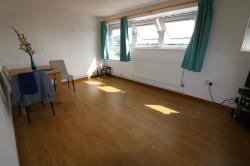 Flat To Let  Ilford Essex IG5