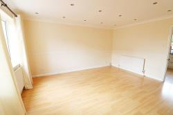 Detached House To Let  Romford Essex RM7