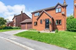 Detached House For Sale  Churwell West Yorkshire LS27