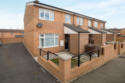 Semi Detached House To Let  Pontefract West Yorkshire WF7