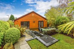Detached Bungalow For Sale  Rotherham South Yorkshire S61
