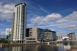 Flat To Let Media City Uk Salford Greater Manchester M50