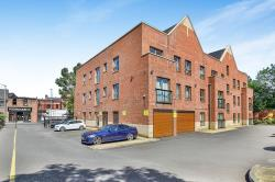 Flat To Let  Wilmslow Cheshire SK9