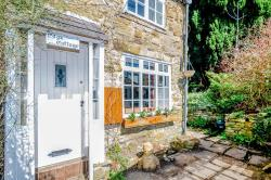 Terraced House For Sale  Eyam Derbyshire S32