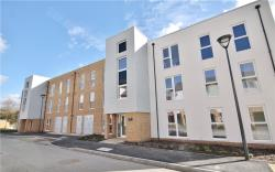 Flat To Let Hawker Drive Addlestone Surrey KT15