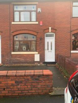 Terraced House To Let  Rochdale Greater Manchester OL12