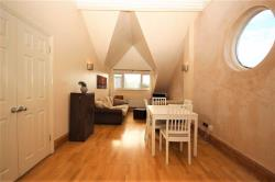 Flat To Let 157 Chingford Road Walthamstow Greater London E17