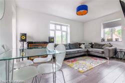 Flat For Sale  South Woodford Greater London E18