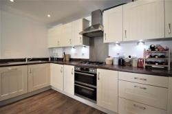 Flat To Let 84 Chigwell Road South Woodford Greater London E18