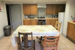 Terraced House To Let  Huddersfield West Yorkshire HD2