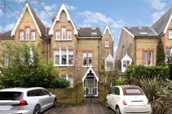 Flat To Let  North Sheen Surrey TW9