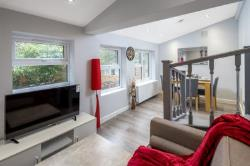 Flat To Let  Southgate Greater London N13