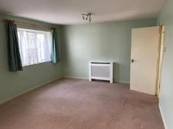 Flat To Let  Elstree Middlesex HA8