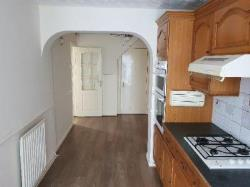 Semi Detached House To Let   Hertfordshire LU2