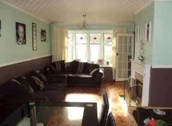 Terraced House To Let  London Essex IG11