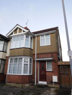 Semi Detached House To Let  Luton Bedfordshire LU2
