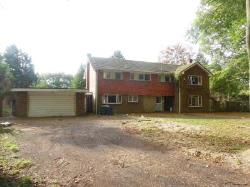 Detached House To Let HIGH WYCOMBE HIGH WYCOMBE Buckinghamshire HP11
