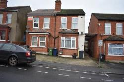 Semi Detached House To Let HIGH WYCOMBE HIGH WYCOMBE Buckinghamshire HP11