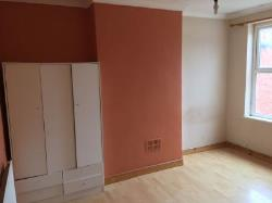 Terraced House To Let Dudley Dudley West Midlands DY2