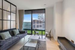 Flat To Let Wardian Wharf London Greater London E14